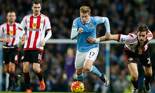 Sự toả sáng của những cá nhân như De Bruyne là đủ để Man City đè bẹp đối thủ yếu Sunderland. Ảnh: Reuters.