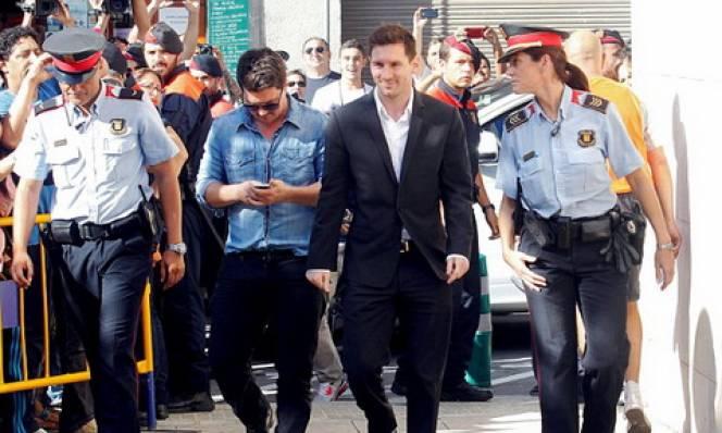Messi trốn thuế khiến Barca bị Bộ trưởng Tây Ban Nha chỉ trích