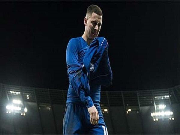 Sự im lặng của Hazard là tín hiệu xấu với Chelsea