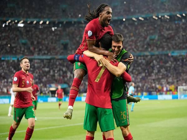 Tin Euro tối 25/6: Renato Sanches lại mê hoặc các ông lớn
