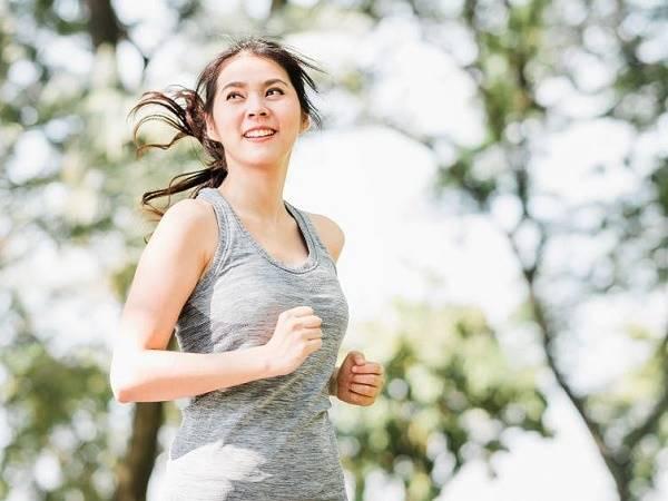 Cách hít thở khi chạy bộ chuẩn, giúp bạn chạy được lâu nhất